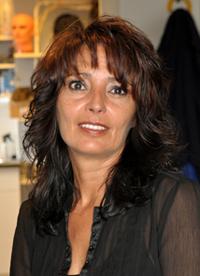 Angela Verhagen, haarwerk specialiste
